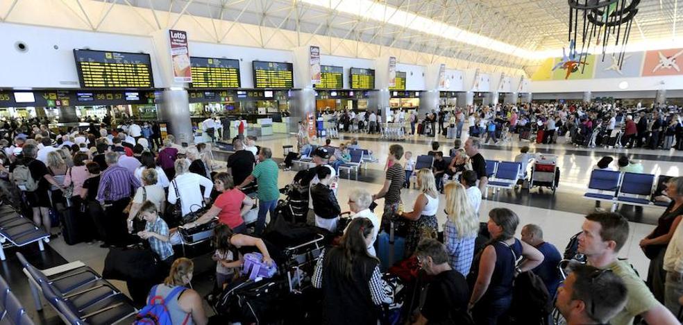 Cárcel para los guardias civiles que pedían dinero en el Aeropuerto de Gran Canaria