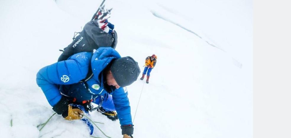 Un grupo de españoles salva a un italiano de morir en el Himalaya a 7.100 metros de altura