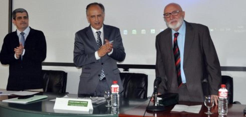 El villanovero José del Moral, premiado por la Universidad de Extremadura
