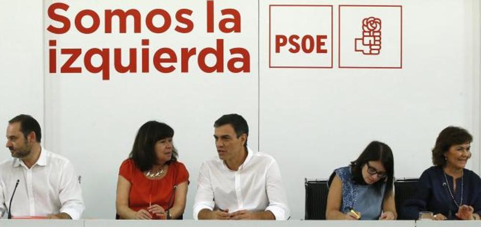 La dirección de Sánchez responde a Díaz: «El PSOE es un partido federal, no una federación de partidos»