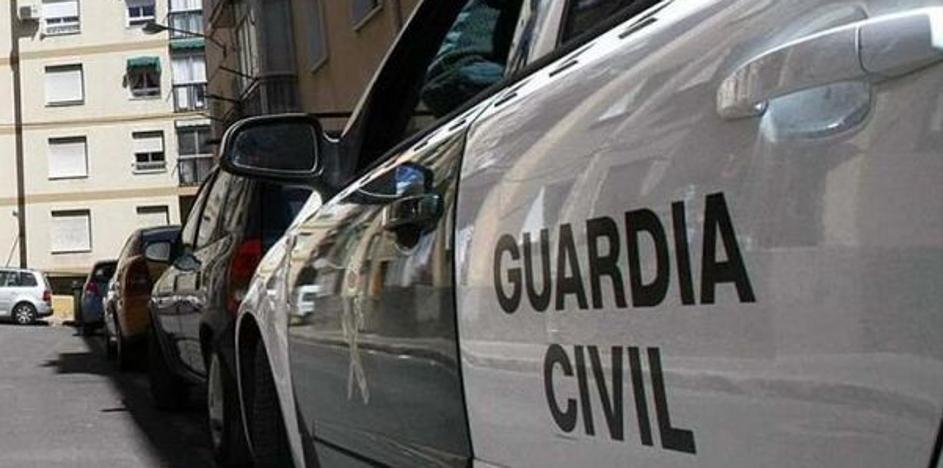 La Guardia Civil investiga a un hombre por atar a su tía de 91 años a un sillón