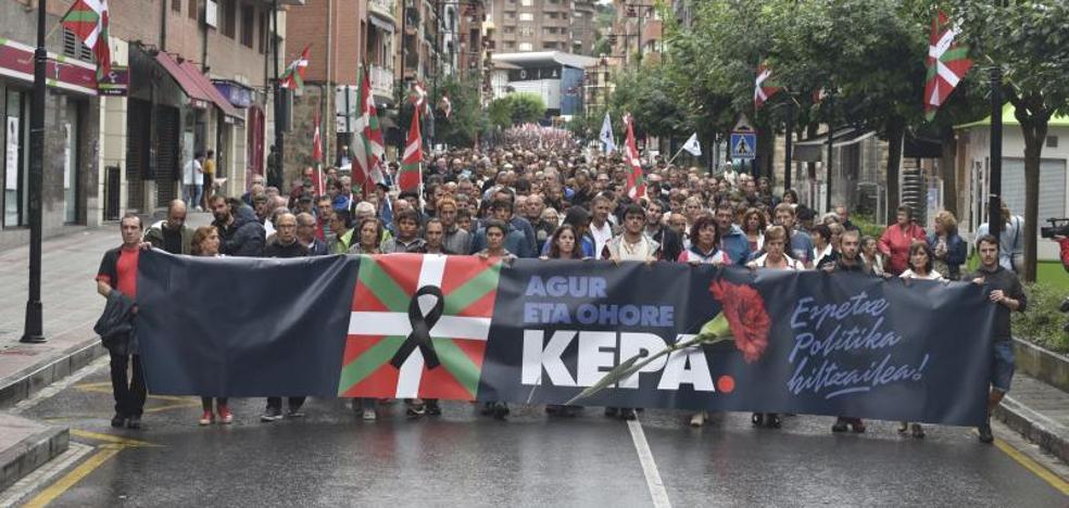 Miles de personas recuerdan en Galdakao al preso de ETA fallecido Kepa del Hoyo