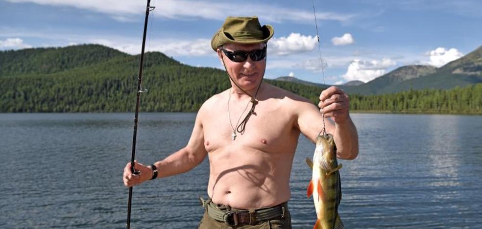 Y Putin se volvió a quitar la camiseta