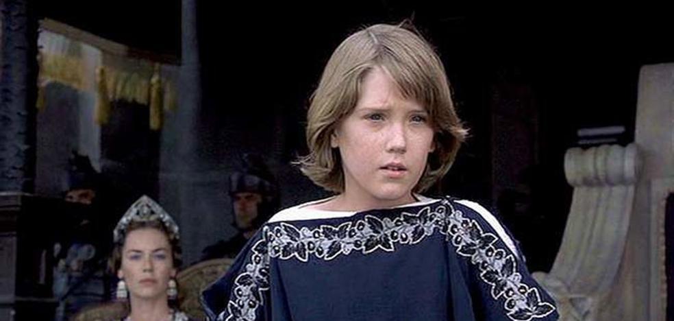 El espectacular cambio físico del niño de 'Gladiator'