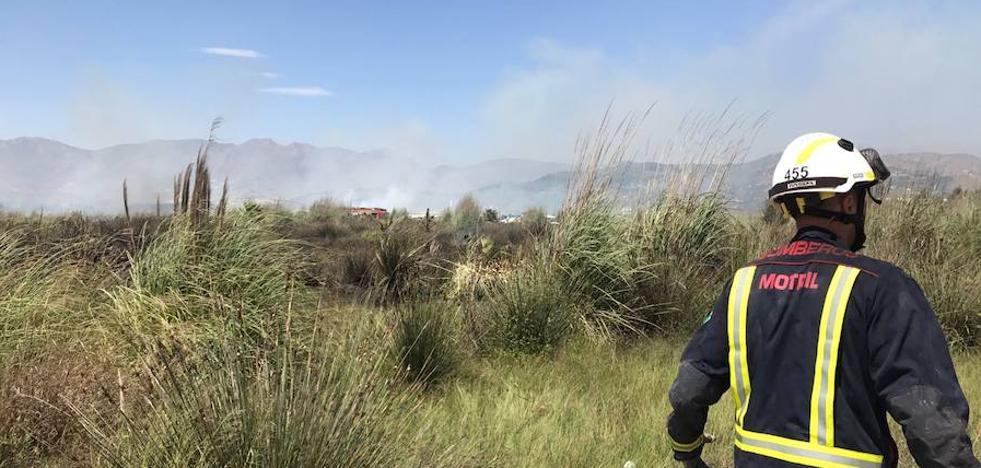 Controlado el incendio en las inmediaciones de Playa Granada