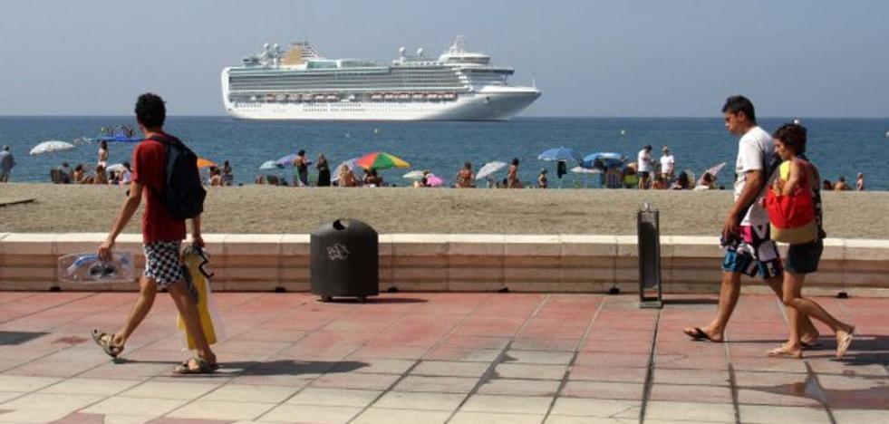 El Puerto de Almería duplica el número de cruceristas que hacen escala en sus muelles