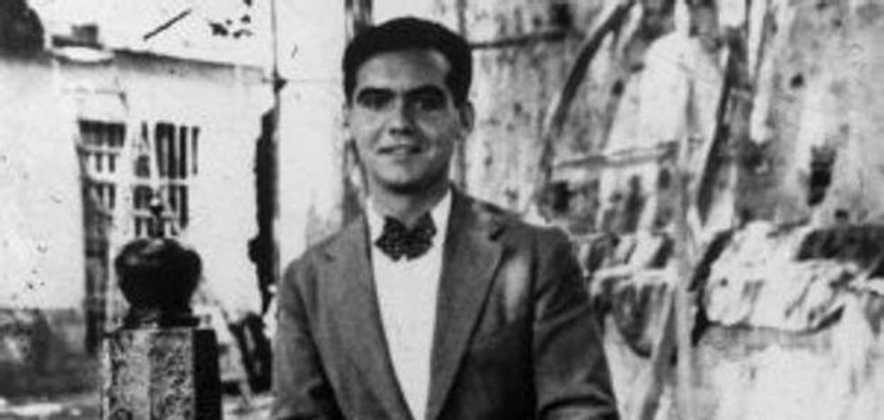 """Recrean el """"último paseo"""" de Lorca en el 81 aniversario de su muerte en Alfacar"""