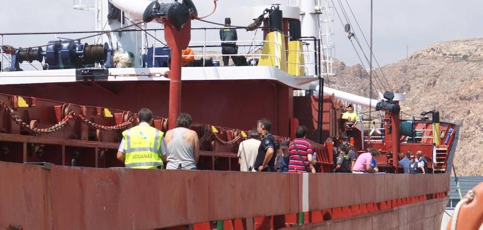 Prisión provisional para los 13 detenidos en el barco con 18 toneladas de hachís