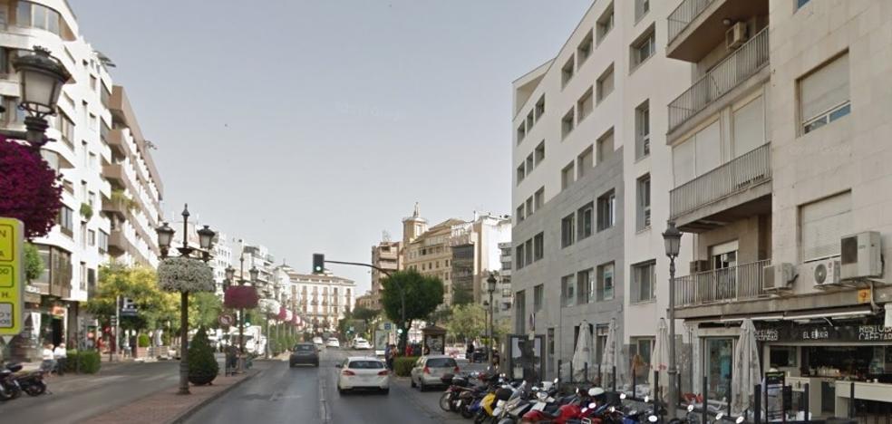 Un agente bancario de Acera del Darro estafa 200.000 euros a dos hermanos
