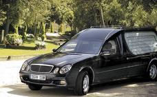 Denunciado un vehículo fúnebre que circulaba a 150 kilómetros por hora