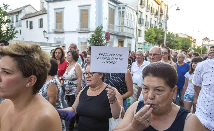 Los vecinos de Pinos Puente exigen más seguridad en el pueblo frente a los «clanes de la droga»