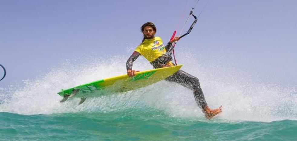 Gustavo Arrojo Montilla, rey español de strapples kitesurf... y sexitano