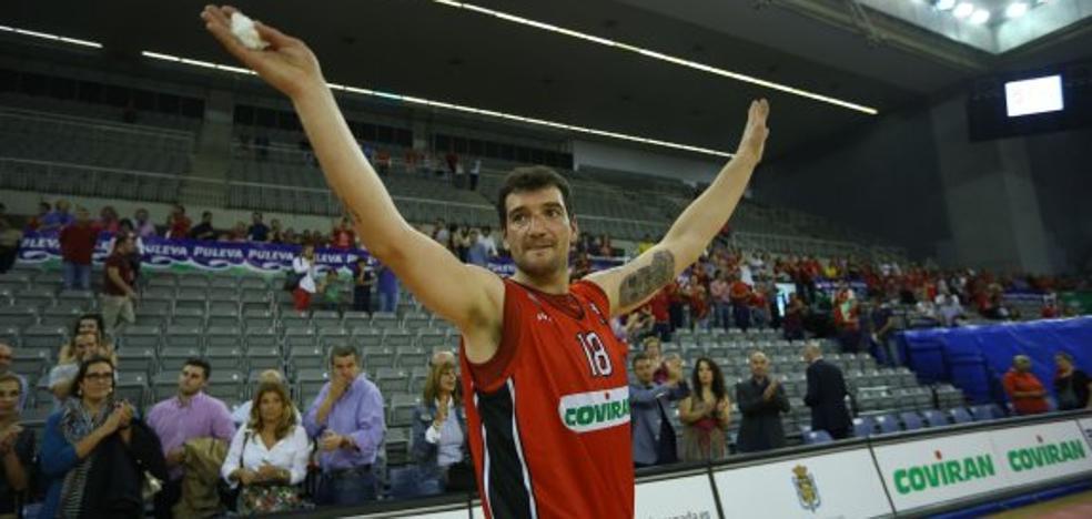 El basket español rinde homenaje al 'americano de Villena'
