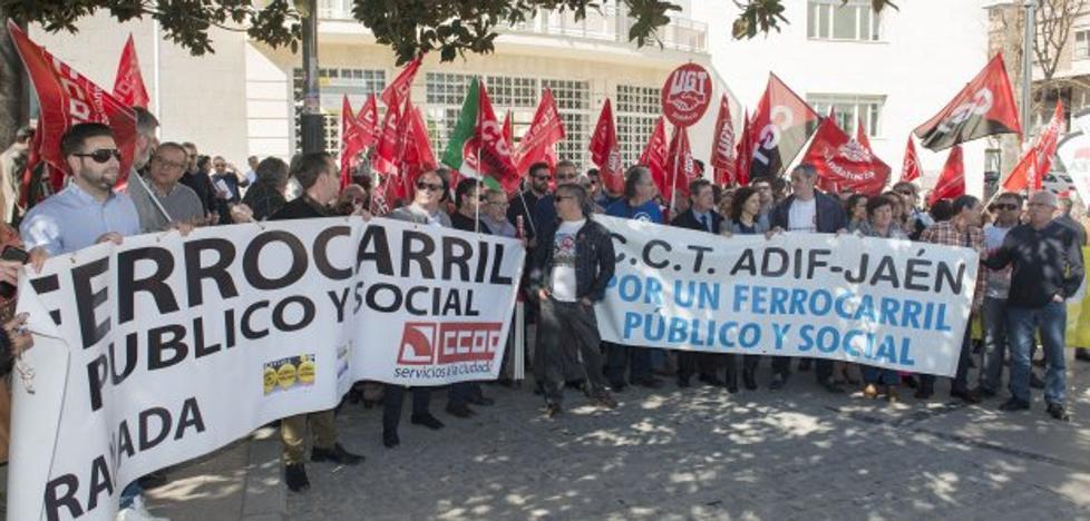 Protesta desde Jaén hasta Linares, en tren y a pie, para reclamar mejoras ferroviarias