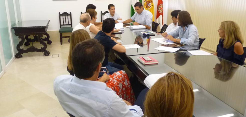 El Ayuntamiento de Almería aprueba el convenio que permite a los regantes el uso de agua desalada para el riego