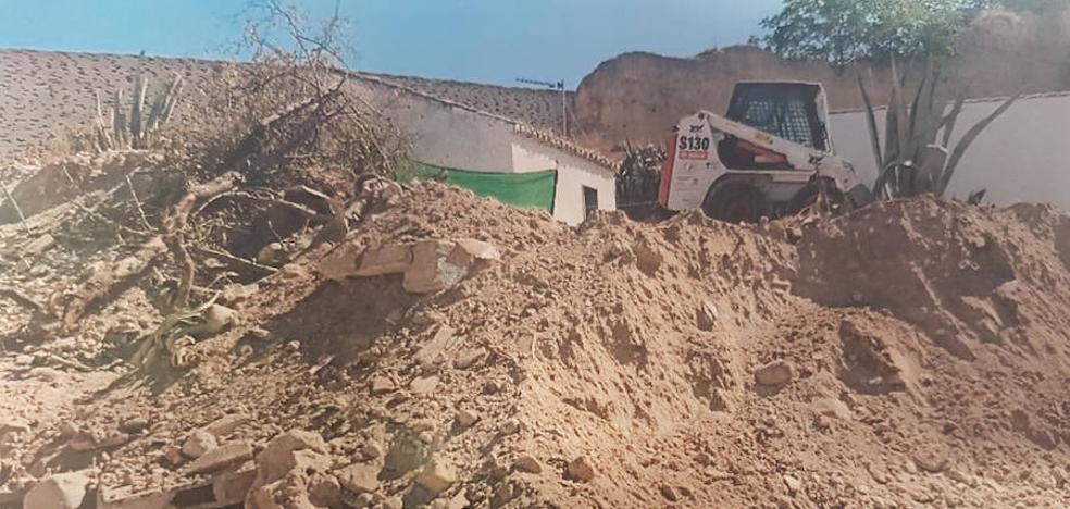 La Policía Local paraliza unas obras sin licencia que afectaban a la Muralla Zirí