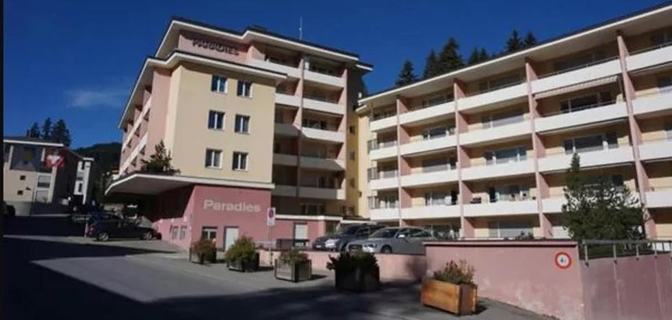 Un hotel suizo pide a los clientes judíos que se duchen antes de entrar en la piscina