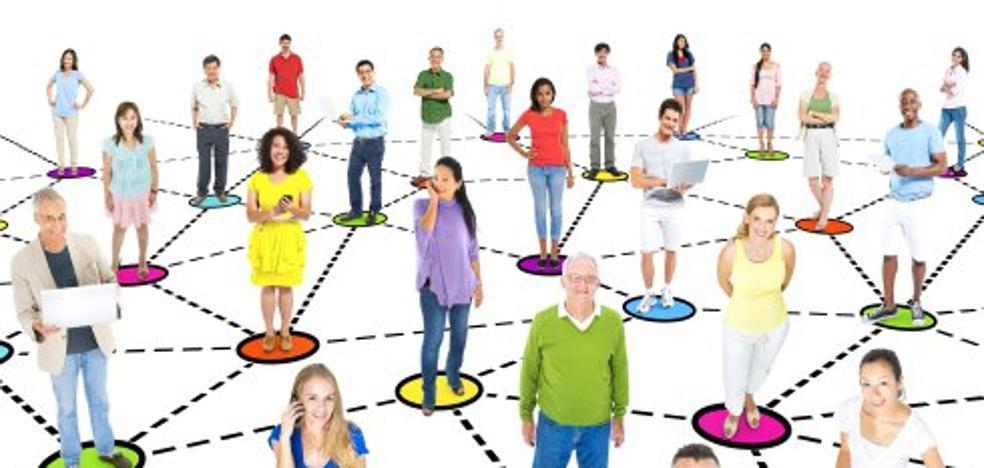 Las redes sociales desconocidas: raras y obsesivas