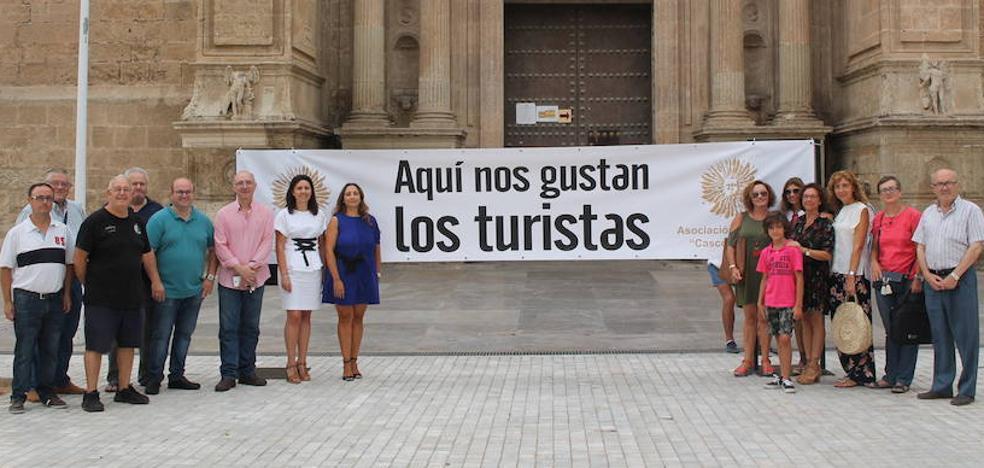 """Vecinos y hosteleros del Casco Histórico gritan: """"aquí nos gustan los turistas"""""""