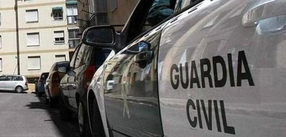Detenido el joven acusado de apuñalar a su compañero de piso en Las Gabias cuando defendía a su novia