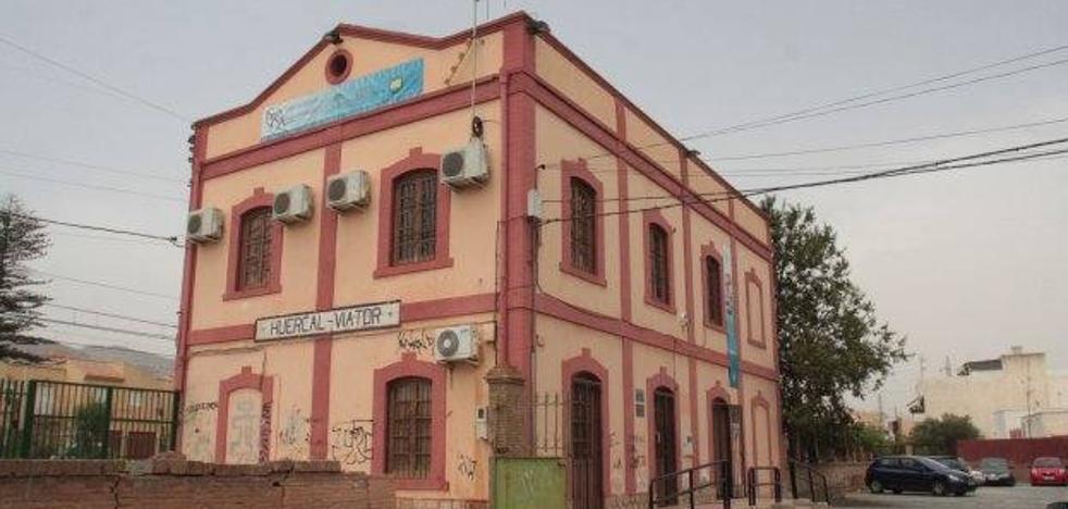 Verdiblanca pide que la remodelación de la estación de Huércal-Viator tenga en cuenta la accesibilidad