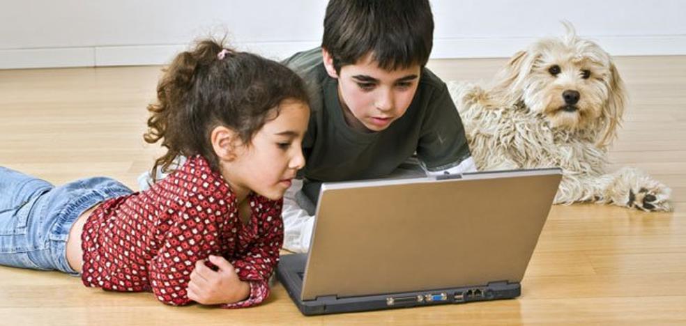 4 consejos para que el ordenador no dañe la vista de tus hijos