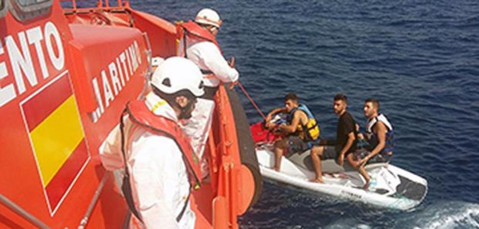 Apresado el inmigrante que conducía la moto acuática de la que fue rescatado junto a dos compatriotas