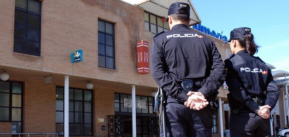 Arrestan a dos fugitivos en el puerto de Almería