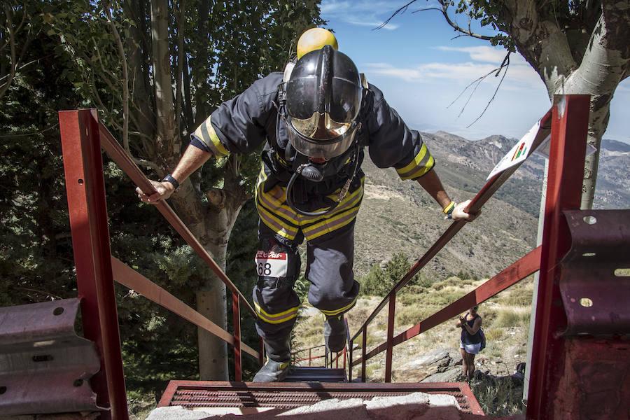 633 escalones en la III Carrera de Escaleras de Bomberos