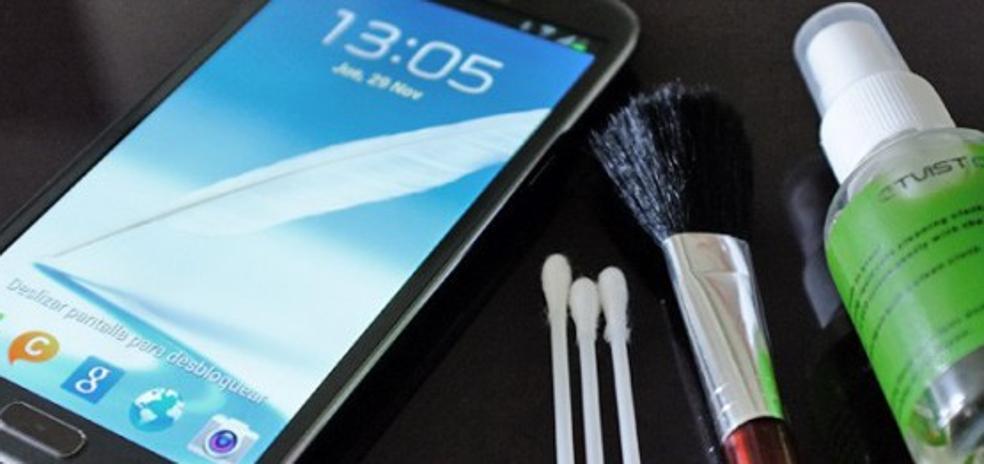 La razón por la que debes desinfectar ahora mismo la pantalla de tu móvil