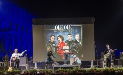 Olé Olé recupera los ritmos ochenteros y Leiva antepone su simpatía por el rocanrol