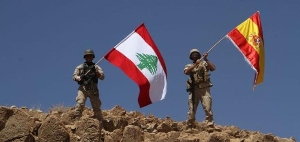 El Ejército libanés ondea una bandera española tras arrebatar territorios al Daesh