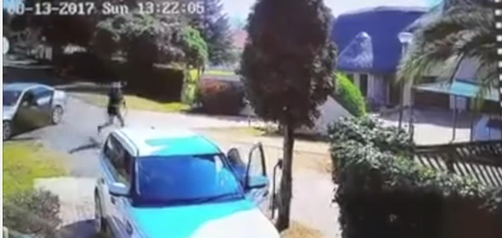 La increíble reacción de una mujer evita que les roben su coche y los secuestren