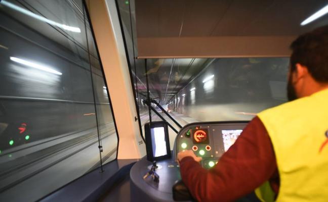 Las pruebas del metro de Granada registran más incidencias por la ocupación de la vía por los peatones