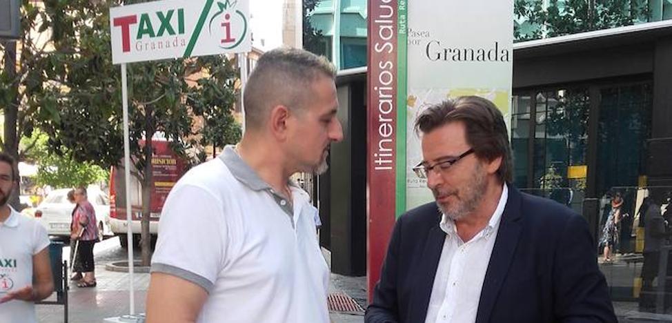 El sector del taxi se reinventa en Granada con nuevas rutas turísticas bilingües
