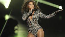 Beyoncé presume de curvas tras dar a luz mellizos