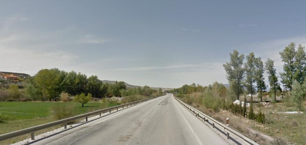 Muere atropellado un hombre que iba caminando por la carretera en Caniles