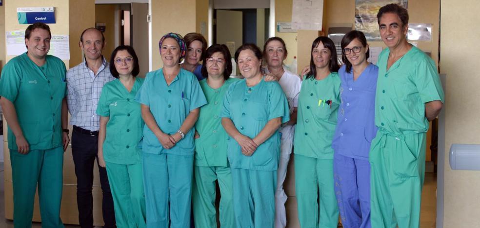 Un hospital español realiza con éxito una cirugía pionera en el mundo para recomponer un grave traumatismo ocular