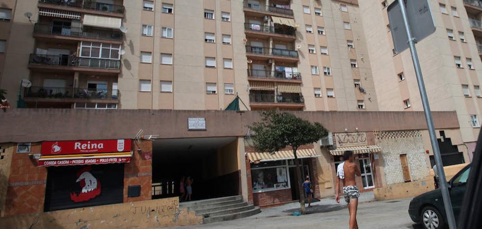 Un padre y su hijo, a prisión por matar a un joven a puñaladas en Algeciras