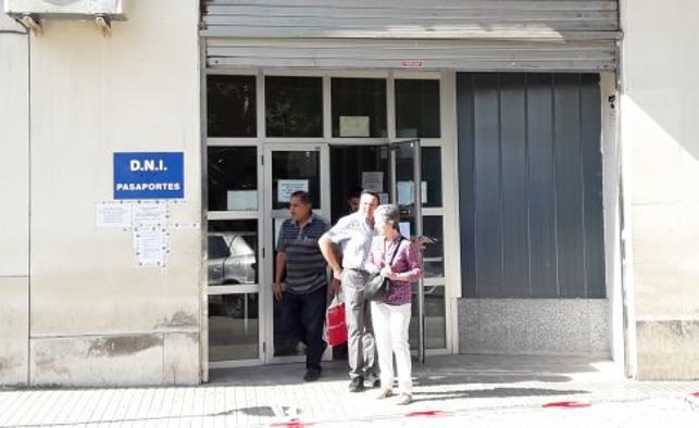 Las oficinas jienenses para renovar el DNI y el pasaporte tienen un retraso de casi un mes