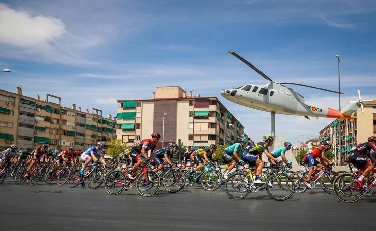 Granada se viste con los colores de la Vuelta