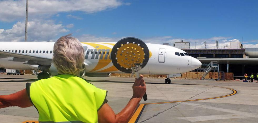 Tratan de cegar con un puntero láser a los pilotos de un avión procedente de Madrid