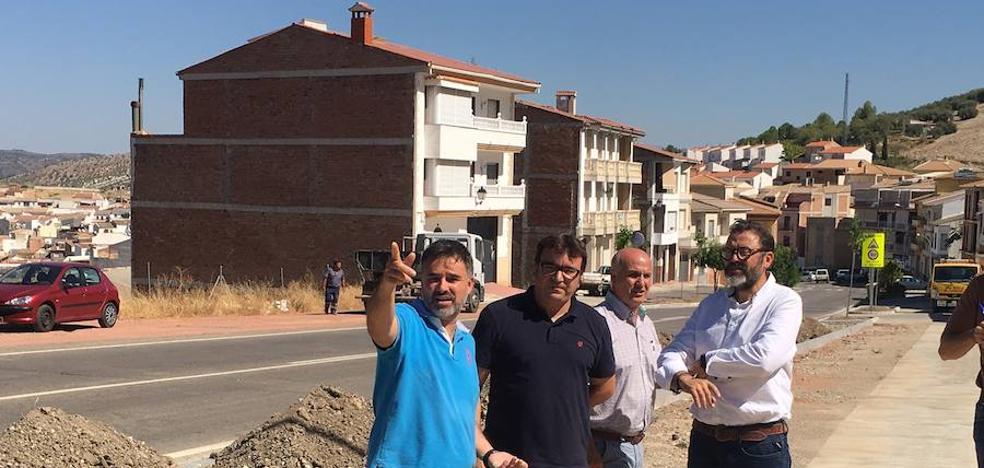 La Junta culmina el acondicionamiento de los accesos a Castillo de Locubín