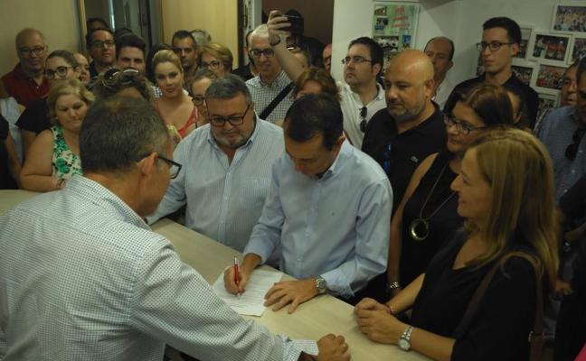 "Pérez Navas aspira a dirigir el PSOE de Almería con un proyecto ""que no mira para atrás"""