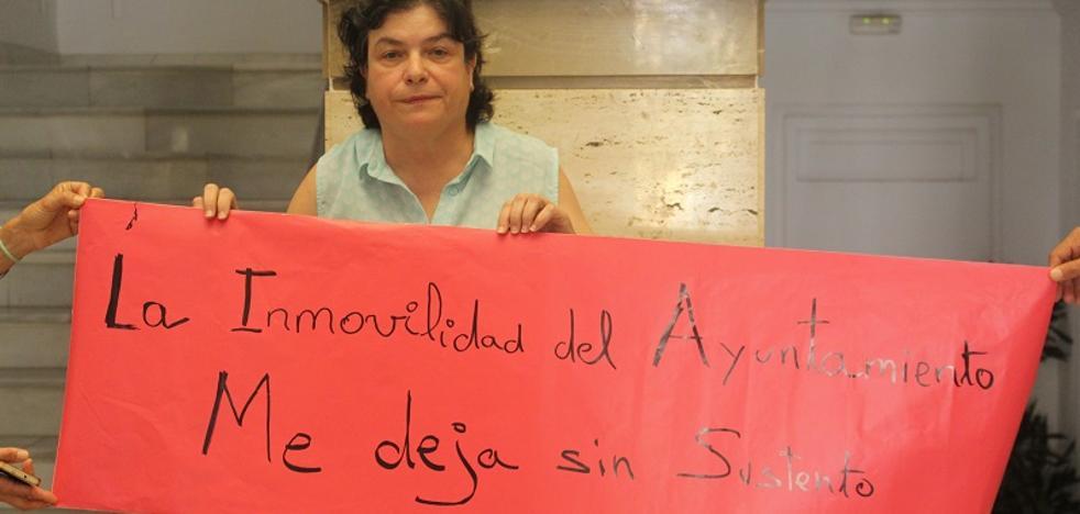 """Una taxista de Calahonda comienza una huelga de hambre como último recurso a un """"trato de desigualdad"""""""
