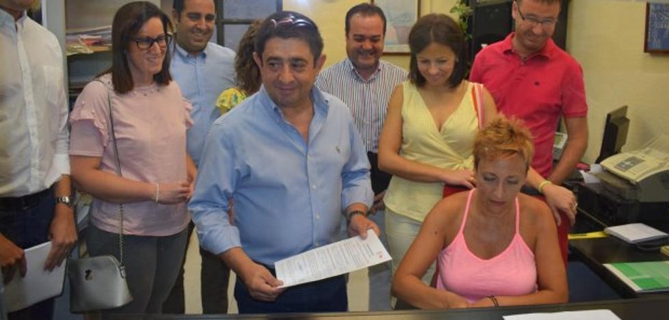 Reyes, Bermúdez y Manzaneda buscan ya avales para la secretaría provincial de PSOE
