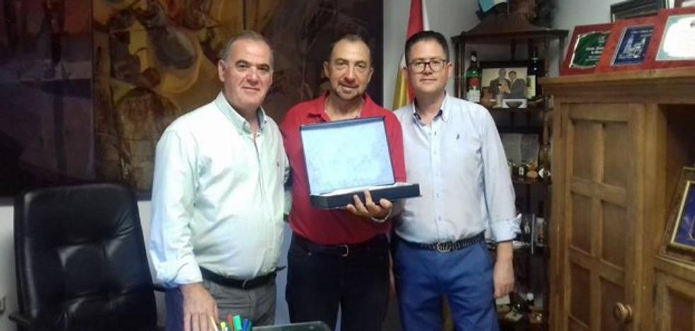 Quesada reconoce a José Antonio García-Márquez