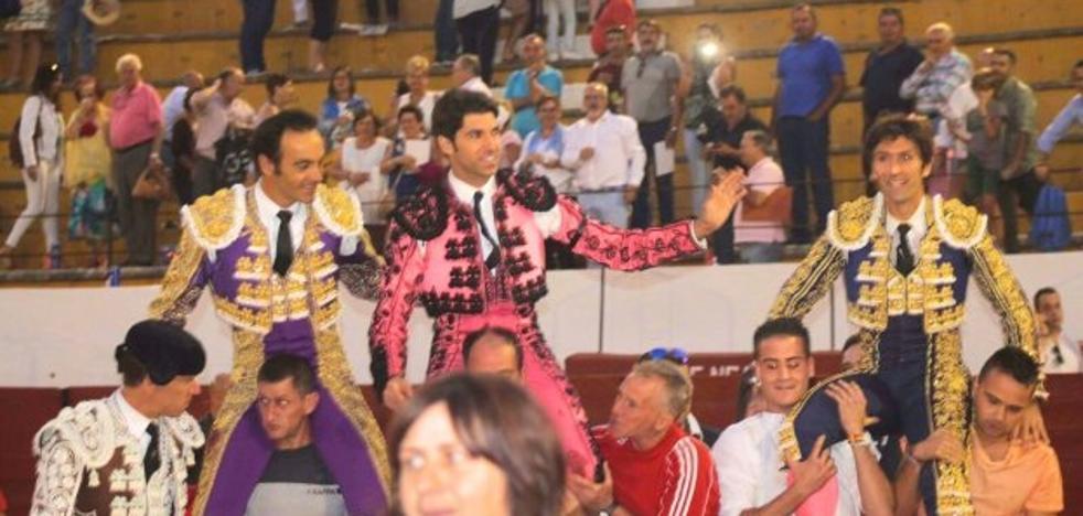 Un enorme Alberto Lamelas sale a hombros en Villanueva del Arzobispo