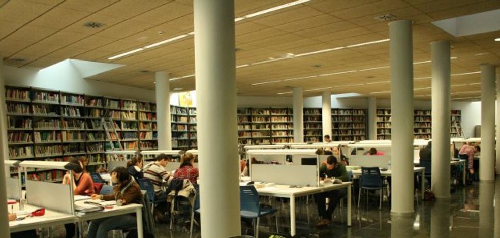 Los préstamos de libros de bibliotecas caen un 26% en seis años en la provincia
