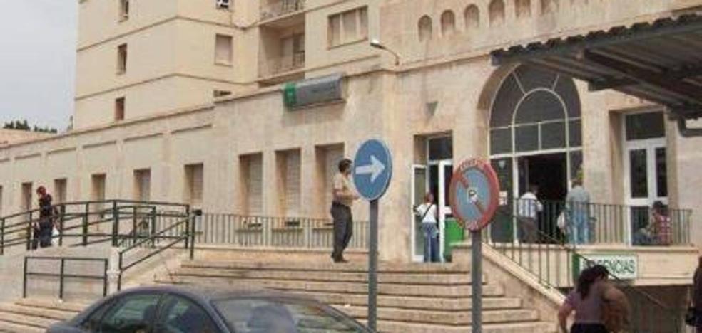 Un vendedor de la ONCE reparte 350.000 euros entre trabajadores y pacientes de la Bola Azul de Almería